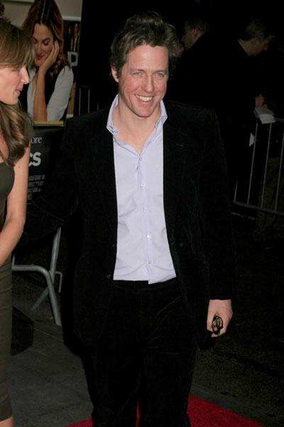 Hugh Grant smiles at the NY premiere of 'Music and Lyrics.'