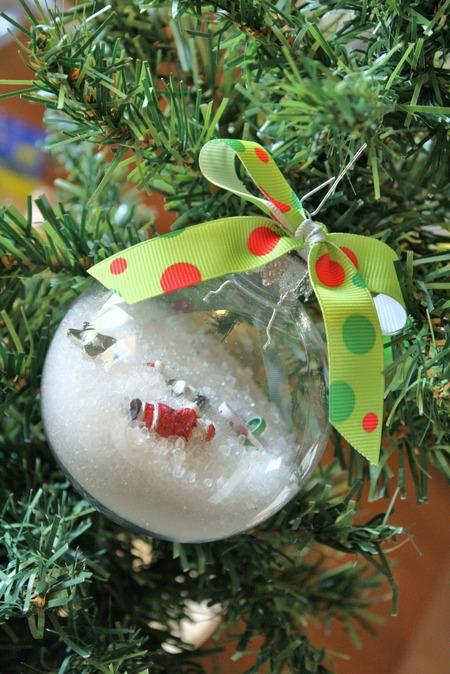 "DIY ""I spy"" ornament"
