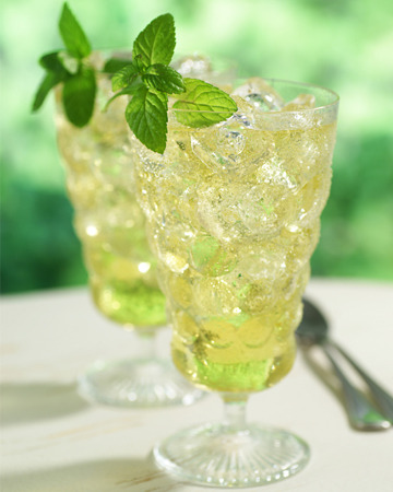 Iced green tea with ginger - Refreshing summer sips
