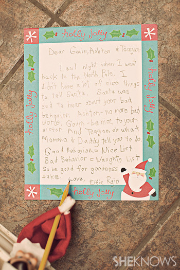 Elfie writes a cautionary note to remind the kids to be good
