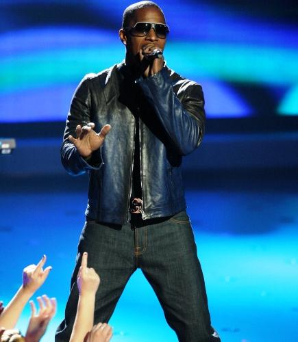 Jamie Foxx is a celebrity mentor on American Idol