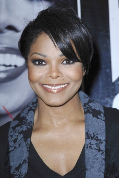 Janet Jackson's choppy short cut for oblong faces