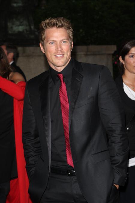 Jason Lewis 2008 fashion