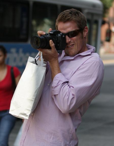 Jason Lewis paparazzi