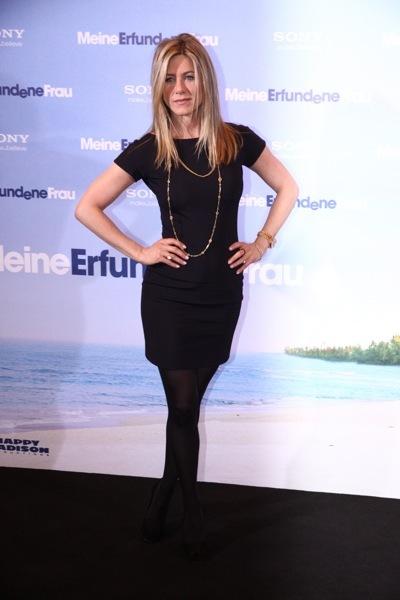 Jennifer Aniston in tights