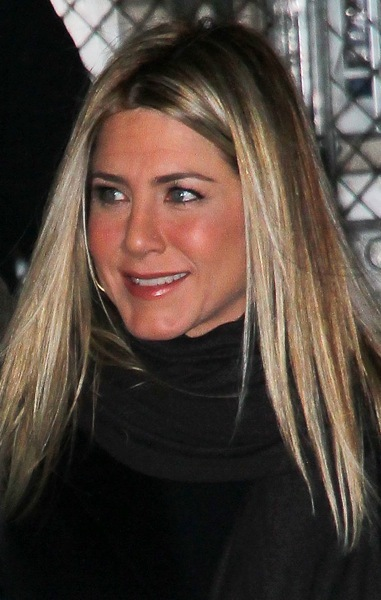 Jennifer Aniston with straight hair