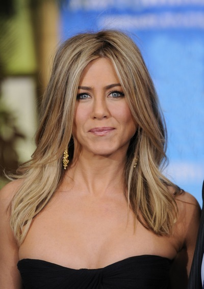Jennifer Aniston with nude lips