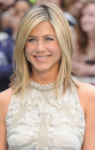 Jennifer Aniston Sleek Summer 'do