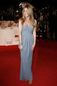 "Jennifer Aniston at UK ""Marley & Me"" Premiere"
