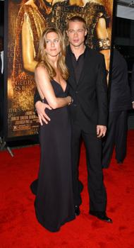 """Jennifer Aniston and Brad Pitt at the NYC premiere of """"Troy"""""""