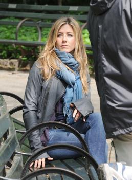 "Jennifer Aniston shooting ""The Baster"""