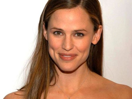 Jennifer Garner fresh faced
