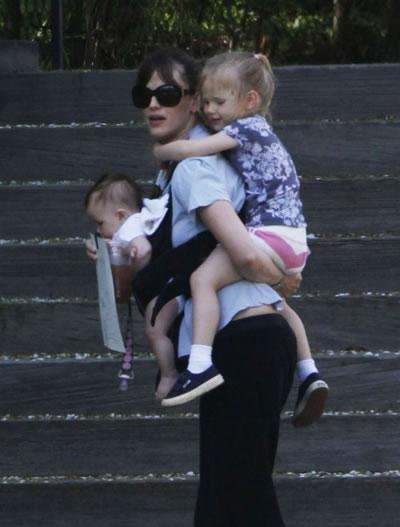 Jennifer Garner and her girls.