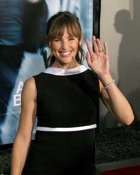 Jennifer Garner at the premiere of The Bourne Ultimatum