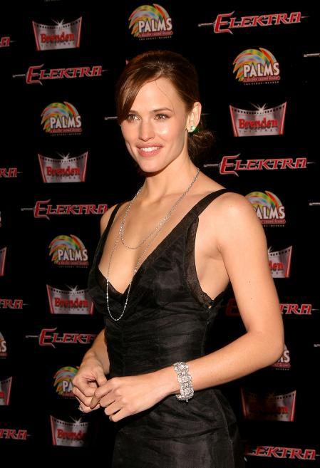 Jennifer Garner at the premiere of Elektra