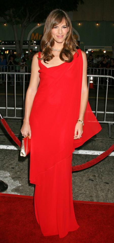 Jennifer Garner at the world premiere of The Kingdom