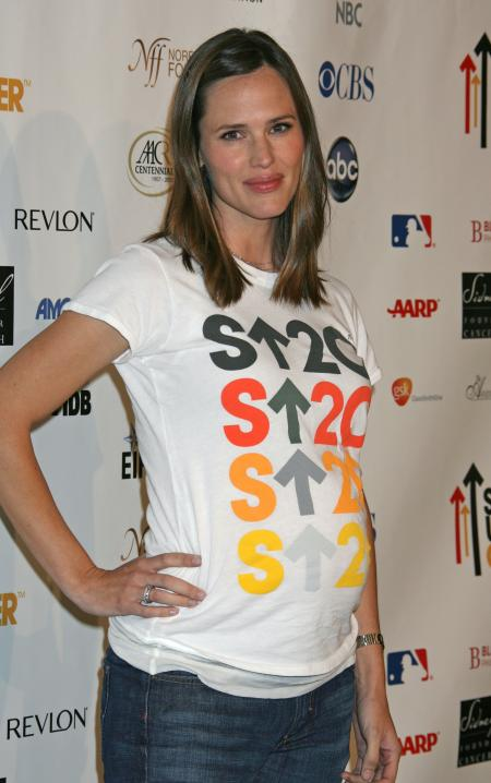 Jennifer Garner at the Stand Up to Cancer benefit