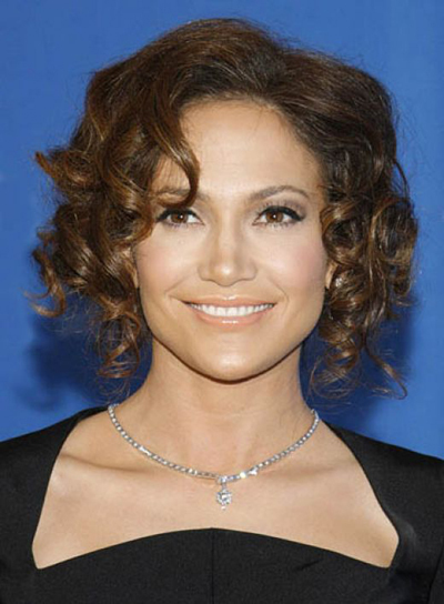 Jennifer Lopez's faux short curly bob