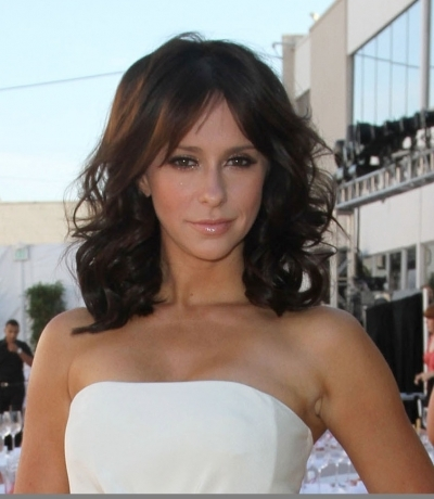 Jennifer Love Hewitt Bouncing Curls