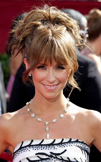 Jennifer Love Hewitt at primetime Emmys