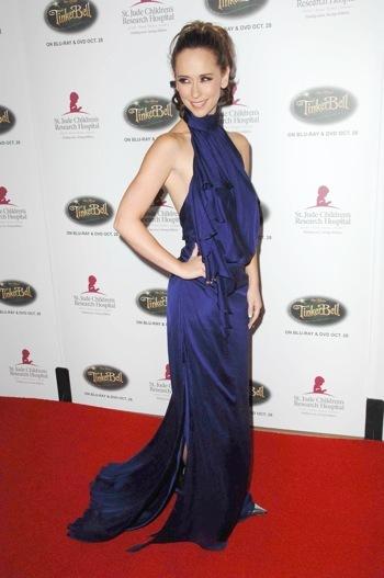 Jennifer Love Hewitt at Runway for Life