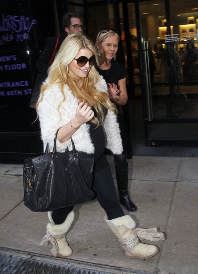 Jessica Simpson in fur jacket
