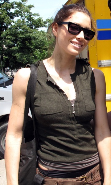 Jessica Biel in Ray-Bans