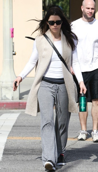 Jessica Biel in sweats
