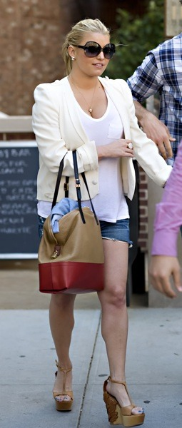 Jessica Simpson with two-toned bag