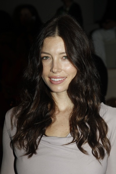 Jessica Biel with long waves