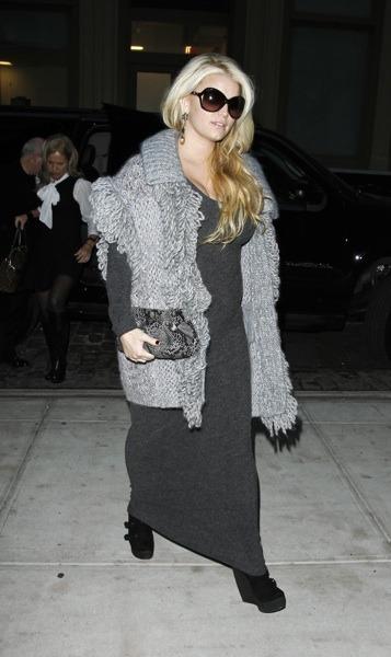 Jessica Simpson's layered style