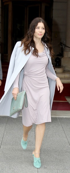 Jessica Biel with an oversized clutch