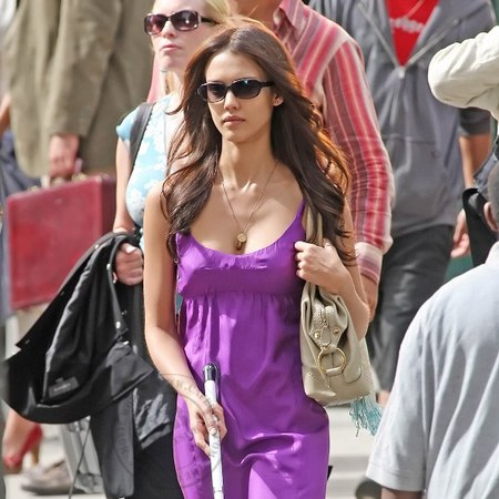 Jessica Alba on set
