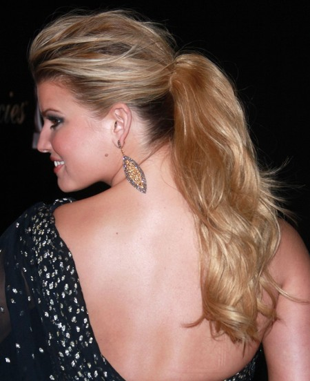 Jessica Simpson's Long Pony
