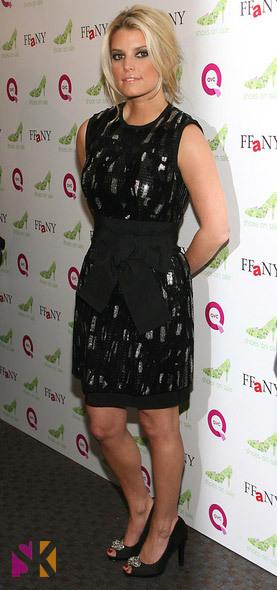 Jessica Simpson looking skinny