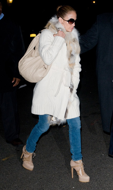 Jennifer Lopez arrives at her Manhattan hotel