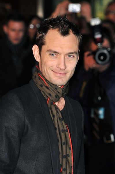 Jude Law wearing a polka-dot scarf at the 'Sherlock Holmes' premiere