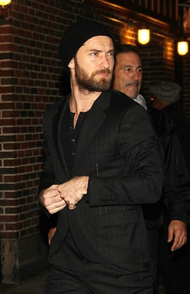 Jude Law rocking the beanie at 'The Late Show with David Letterman'