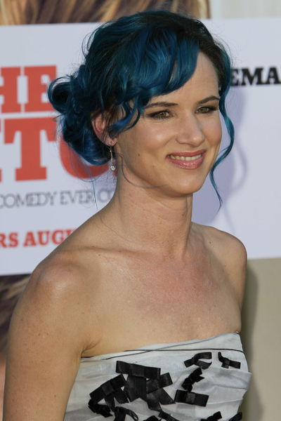 The blue Juliette Lewis