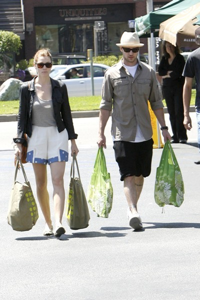 Justin and Jessica shop together