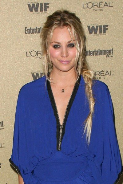 Kaley Cuoco&#039;s long, braided hairstyle