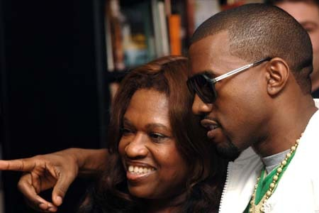 Kanye Loses His Mom in 2007