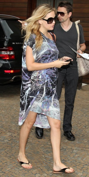 Kate Hudson in printed dress