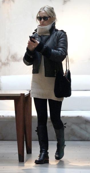 Kate Hudson in a turtleneck