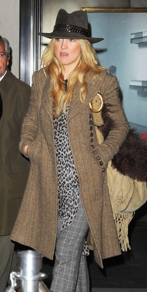 Kate Hudson in patterns