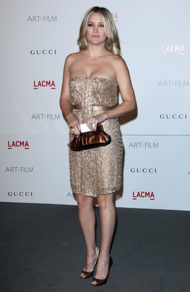 Kate Hudson in copper shoes