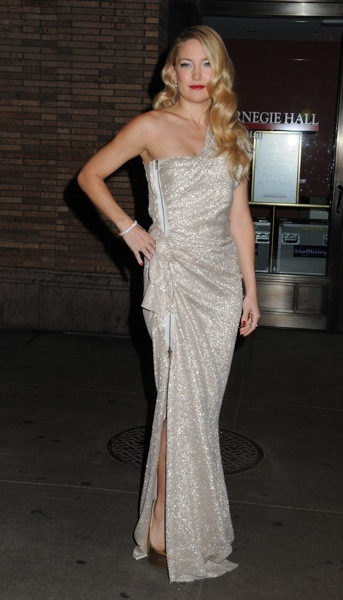 Kate Hudson in a metallic gown
