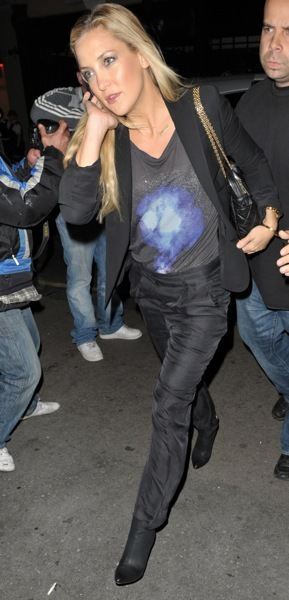 Kate Hudson in a tshirt