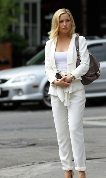 Kate Hudson in a pantsuit