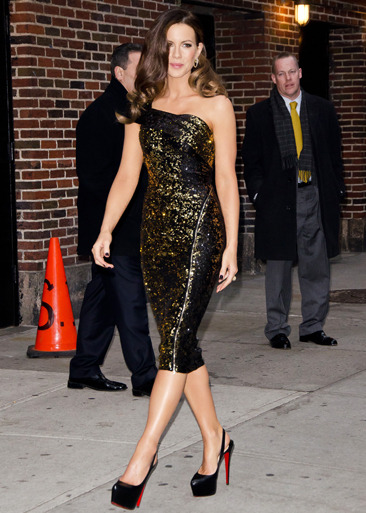 Kate Beckinsale arrives at the Ed Sullivan Theater